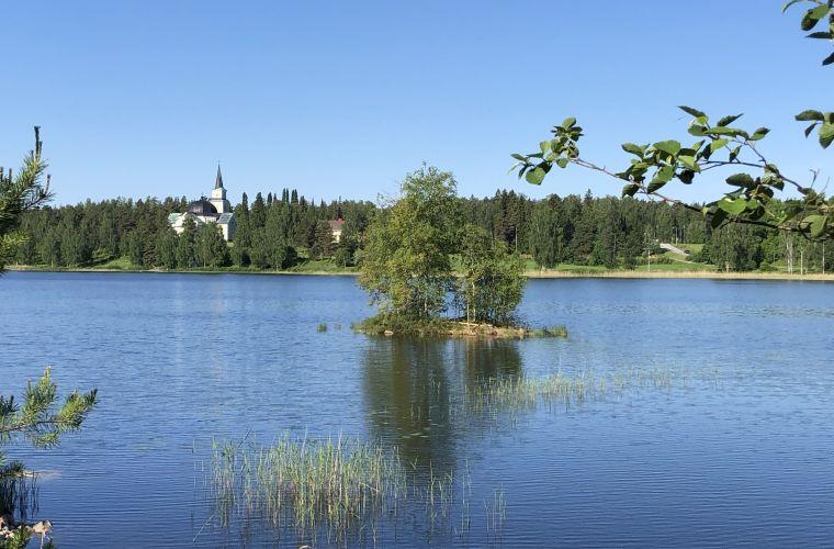 Ruokolahden kirkonmäki on saaristoreitin keskeisiä käyntikohteita.