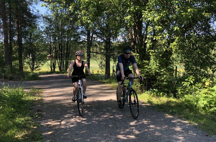 Pyöräile kumppanin tai ystävän kanssa
